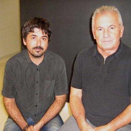 """En el rodaje del documental """"21x12"""" con el músico Victor Manuel"""
