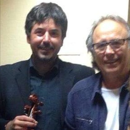 With the artist Joan Manuel Serrat.